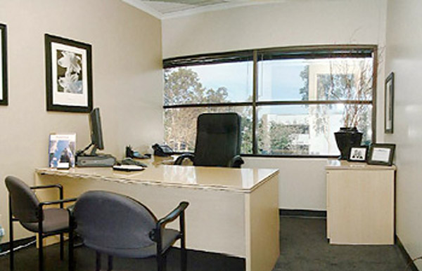 temporary office space. Picture 2 Airport Executive Suites Temporary Office Space