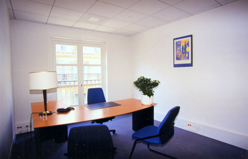 paris office space and virtual offices at rue de castiglione. Black Bedroom Furniture Sets. Home Design Ideas