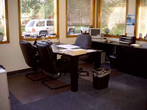 Aurora Day Office - Fully Equipped