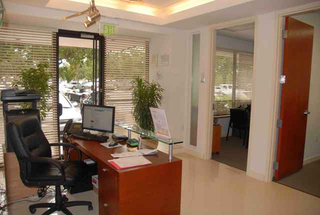 Picture 1 Hollywood Business Center