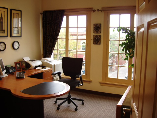 Fort collins office space and virtual offices at n for Office images