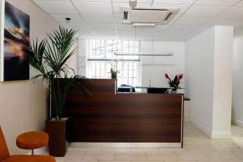 Comfortable Entrance Lobby - Office in London West End