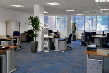 London Ealing Office Space - Accommodating Commons Area