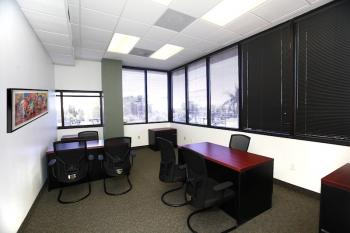 Ft. Lauderdale Office Space - Accommodating Commons Area